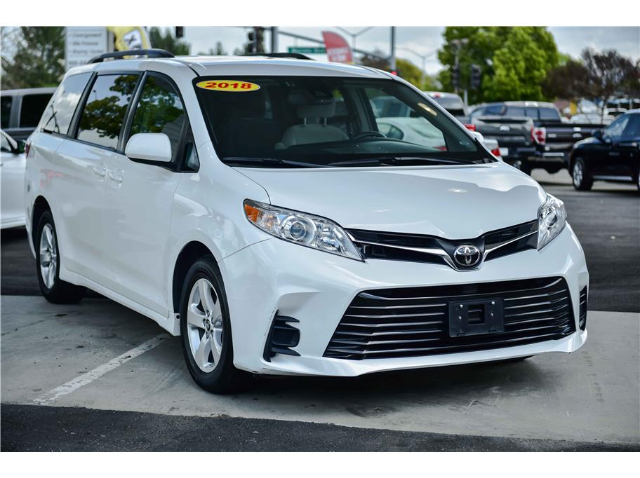2018 Toyota Sienna from WishList Autos