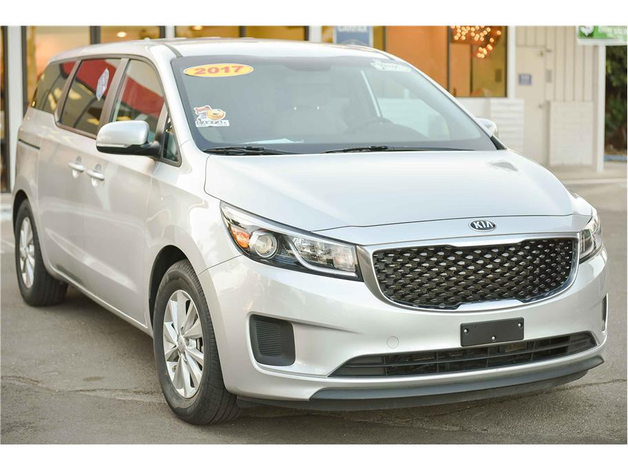 2017 Kia Sedona from WishList Autos