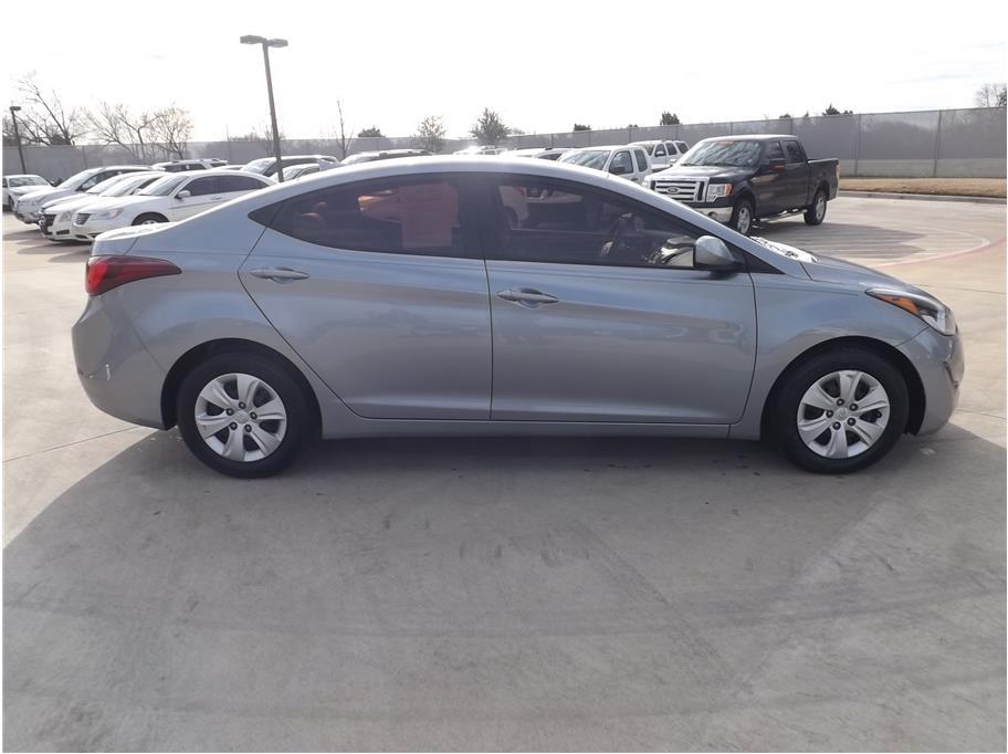 2016 Hyundai Elantra from Barrett Motors