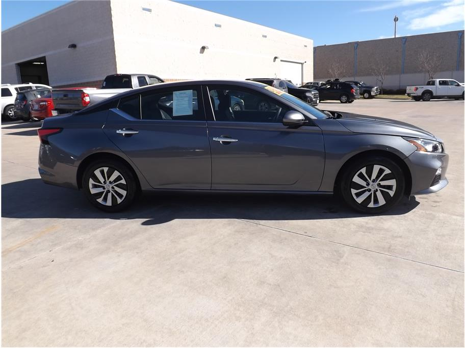 2019 Nissan Altima from Barrett Motors