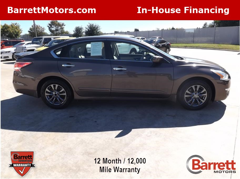 2015 Nissan Altima from Barrett Motors