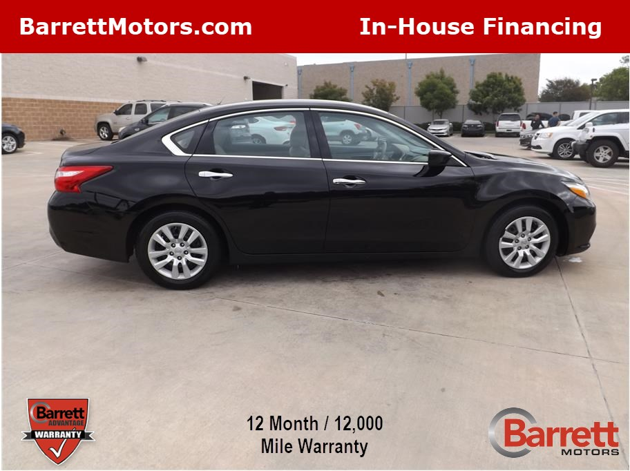 2016 Nissan Altima from Barrett Motors