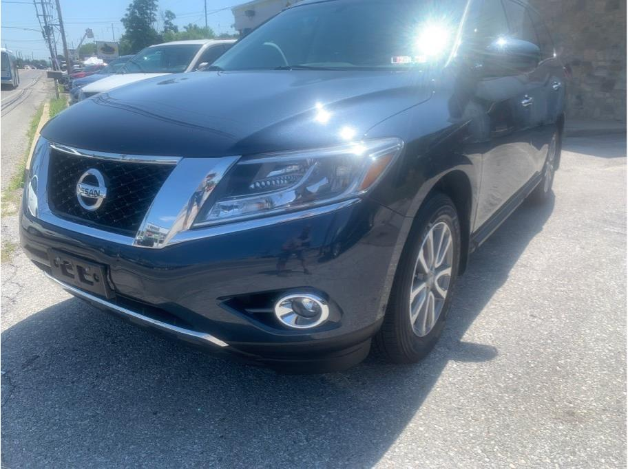 2015 Nissan Pathfinder from DeFilippo Bro Motorcars Auto Sales Inc