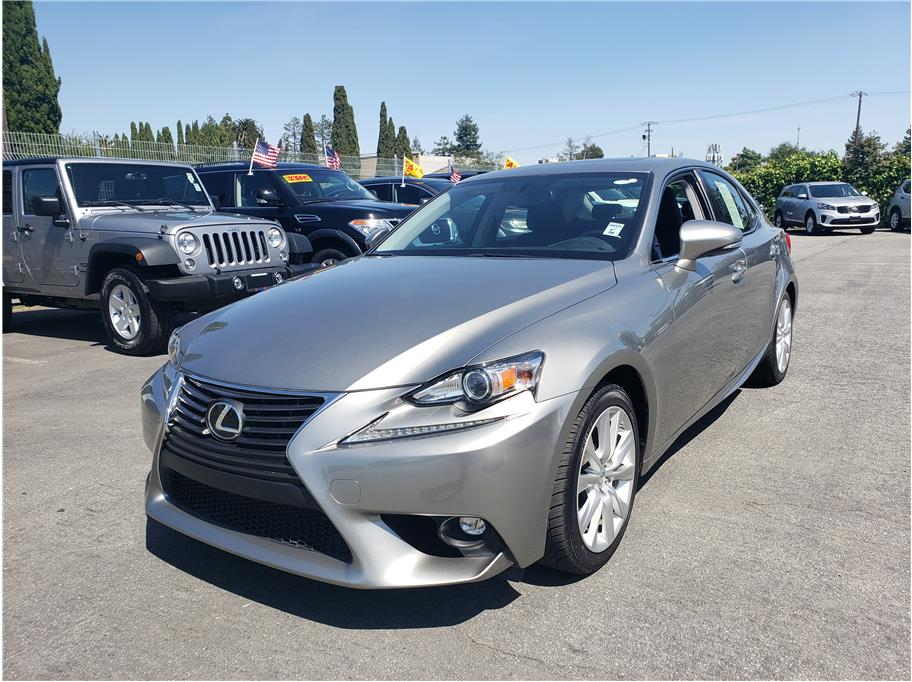 2016 Lexus IS from Carnamic