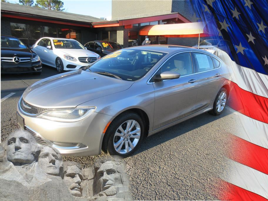 2015 Chrysler 200 from CAR BY U