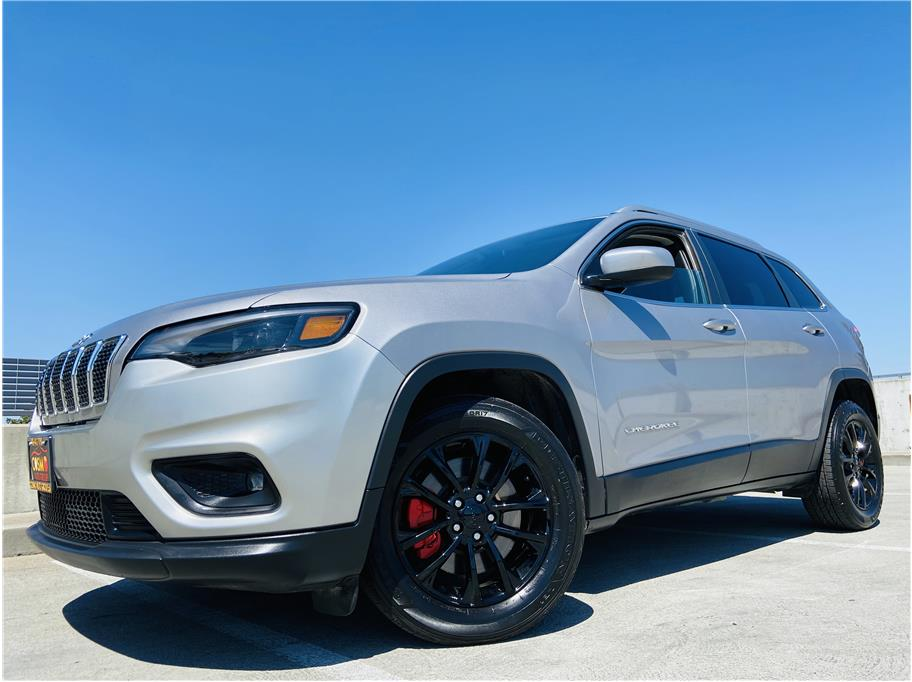 2019 Jeep Cherokee from Cosmo Auto Group