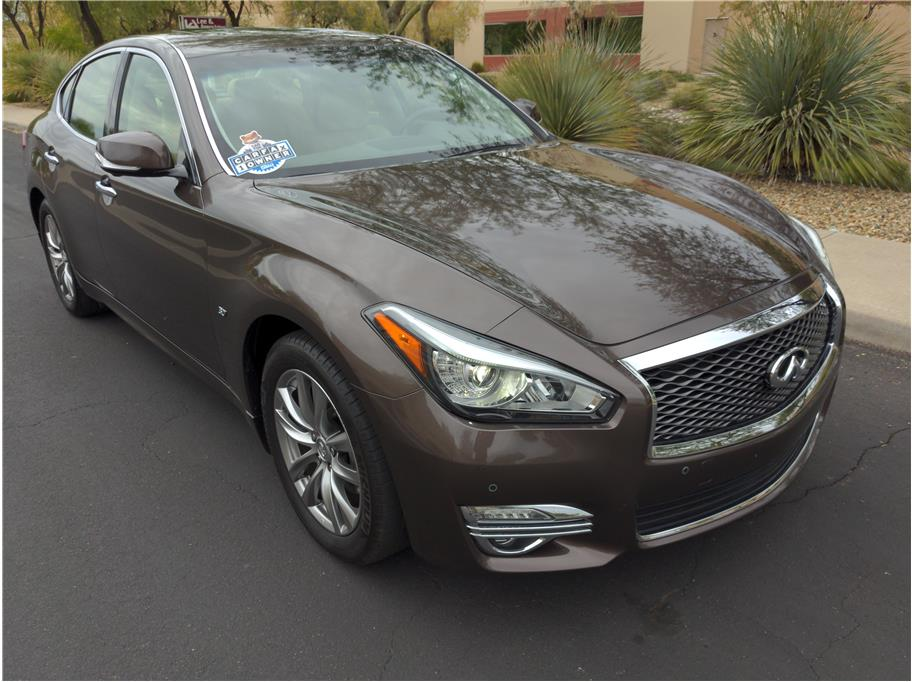 2016 Infiniti Q70 from Eclipse Motors Company