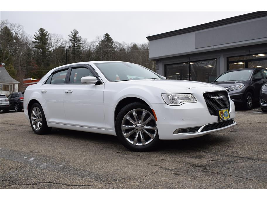 2017 Chrysler 300 from United Auto Group