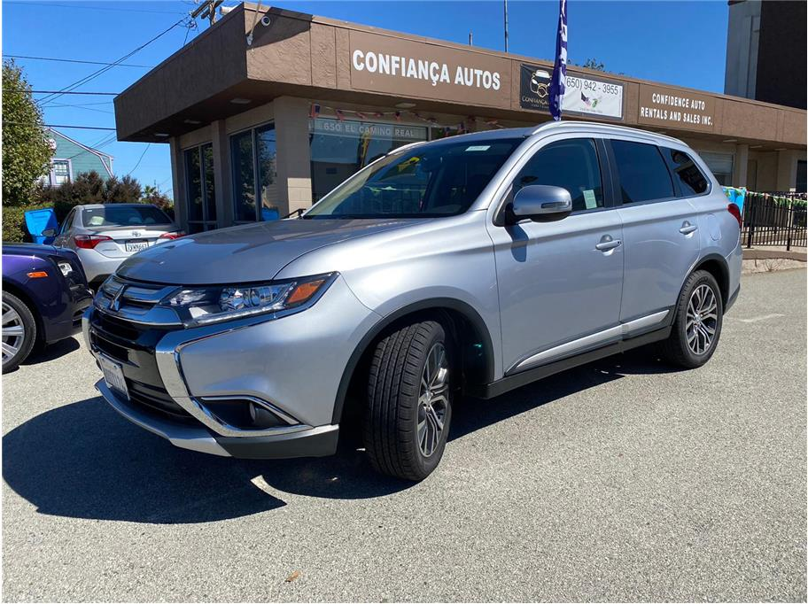 2017 Mitsubishi Outlander from Confidence Auto Rentals and Sales