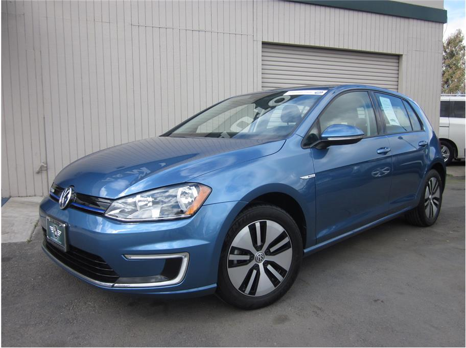 2016 Volkswagen e-Golf from A & M Auto