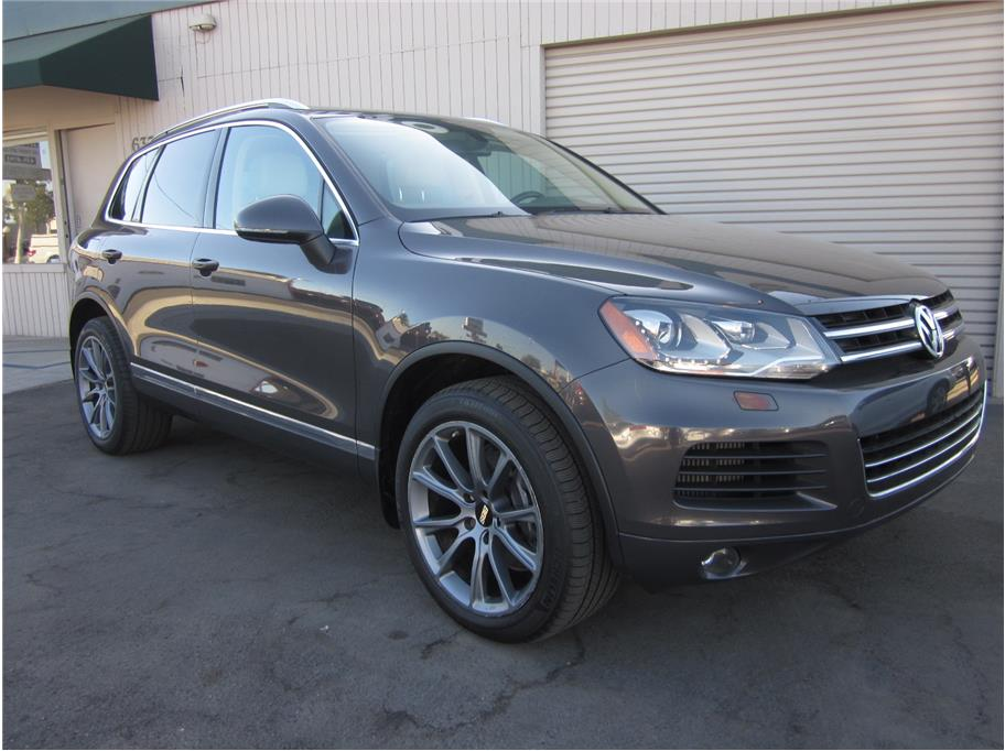 2012 Volkswagen Touareg from A & M Auto