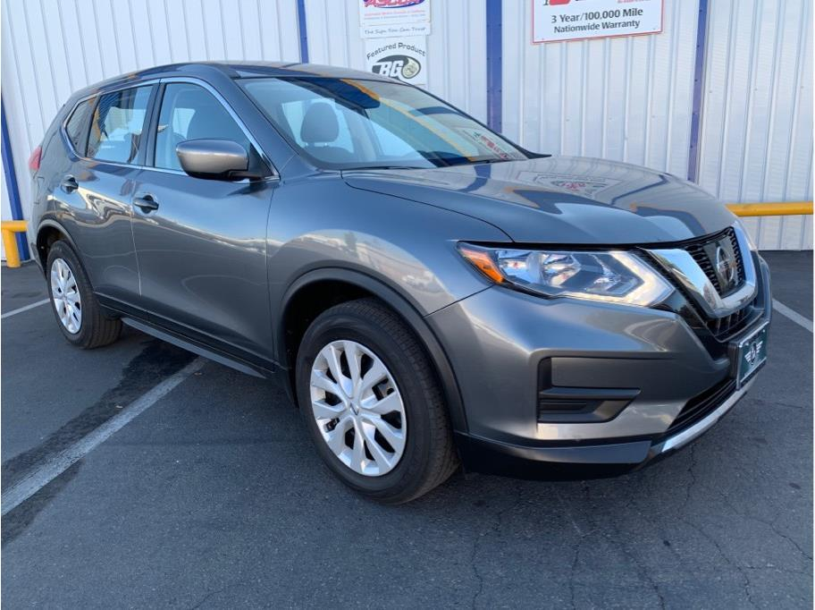 2017 Nissan Rogue from A & M Auto