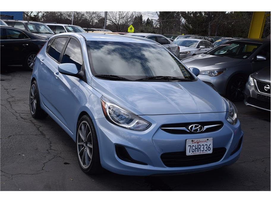 2014 Hyundai Accent from SPEED MAX