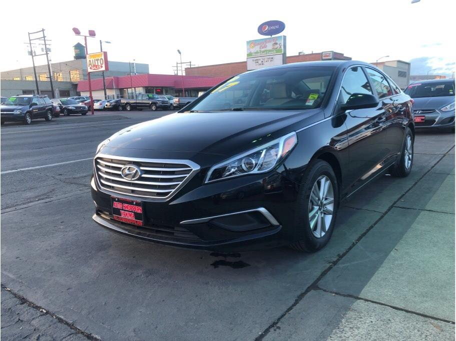 2017 Hyundai Sonata from Auto Shoppers