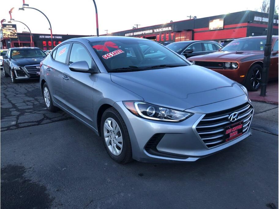 2017 Hyundai Elantra from Auto Shoppers