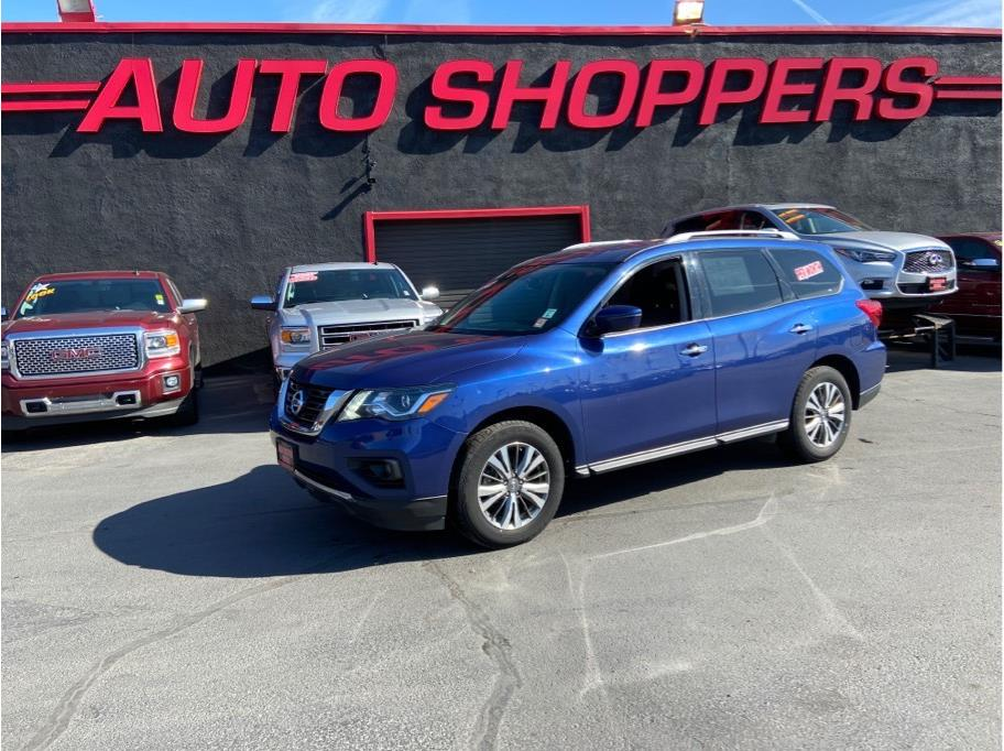 2018 Nissan Pathfinder from Auto Shoppers
