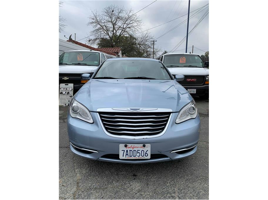 2013 Chrysler 200 from Mission Auto Sales