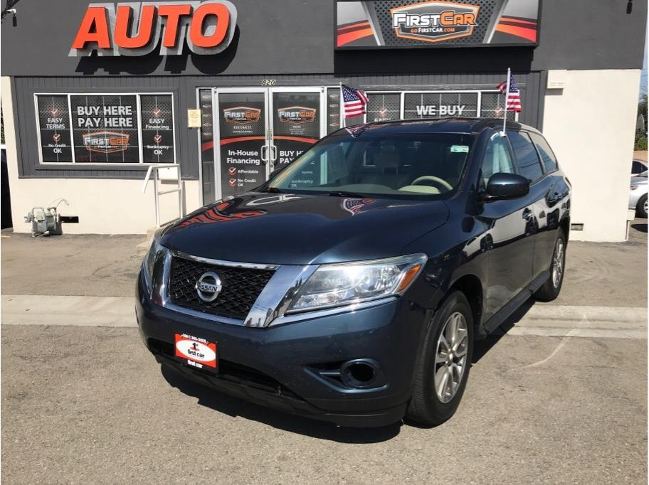 2014 Nissan Pathfinder from First Car