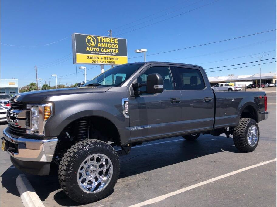 2018 Ford F250 Super Duty Crew Cab from Three Amigos Auto Center