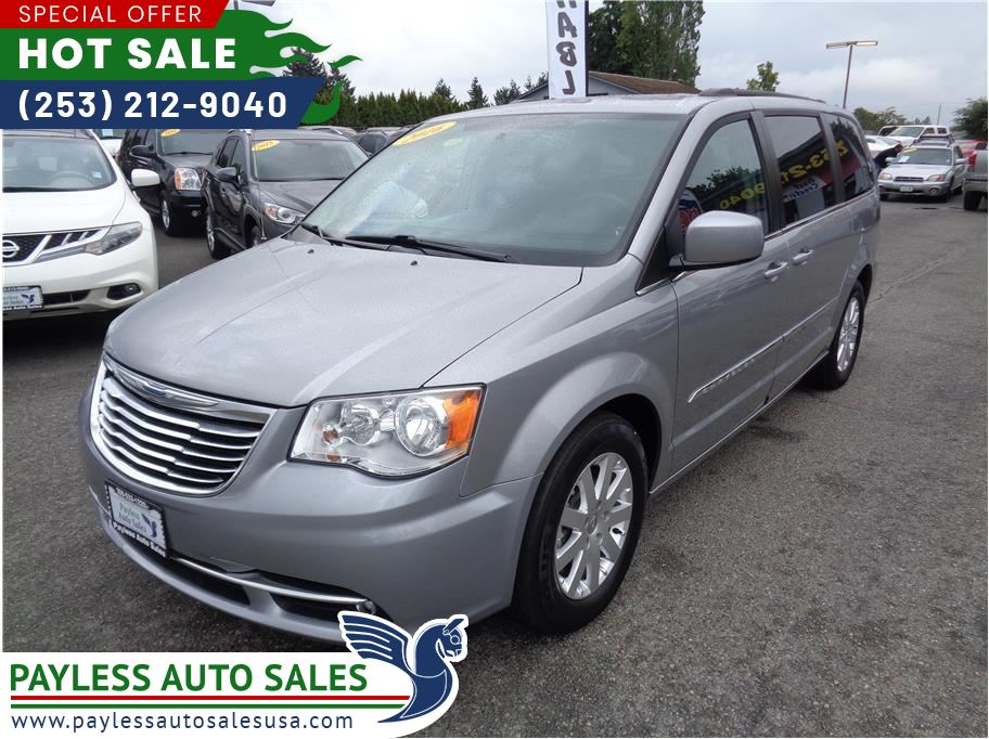 2016 Chrysler Town & Country from Payless Auto Sales II