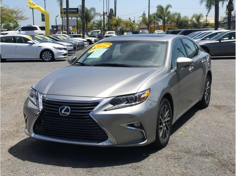2016 Lexus ES from Quantum Auto Sales