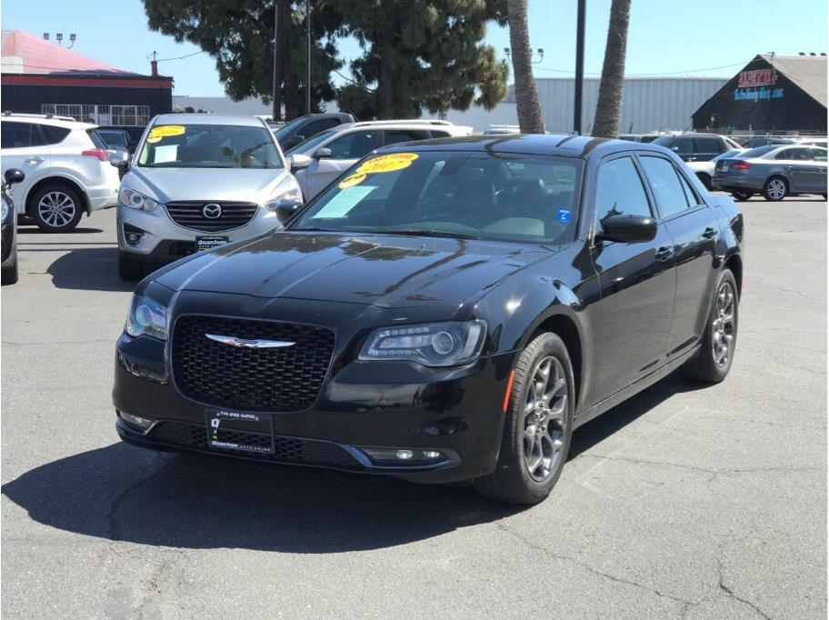 2017 Chrysler 300 from Quantum Auto Sales