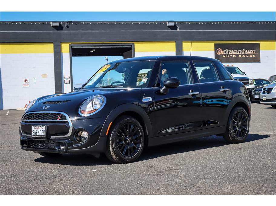 2017 MINI Hardtop 4 Door from Quantum Auto Sales