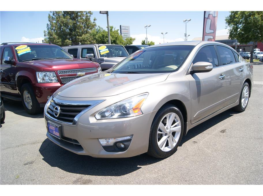 2014 Nissan Altima from Auto Plaza