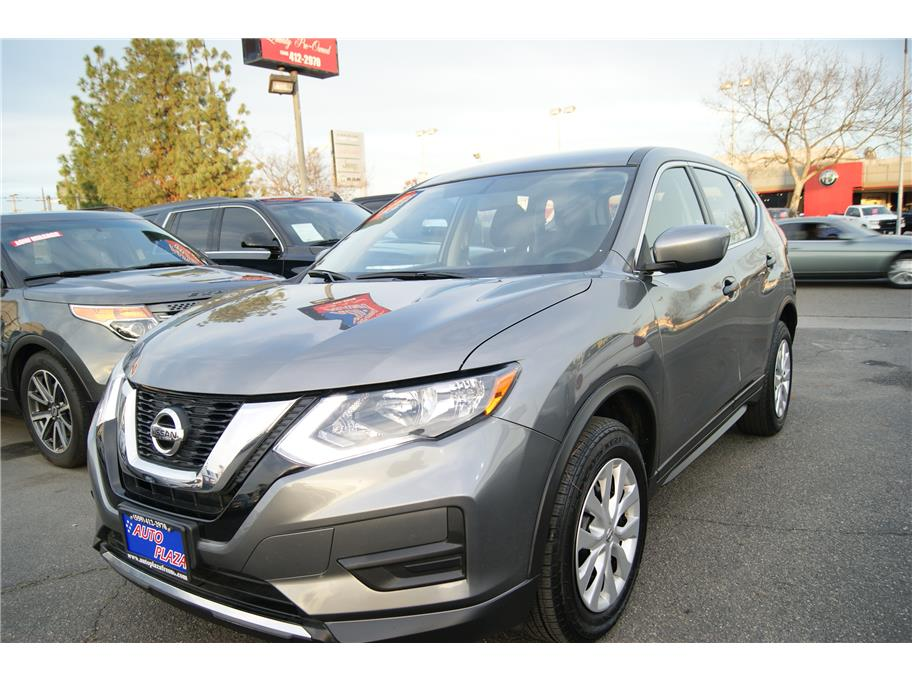 2017 Nissan Rogue from Auto Plaza