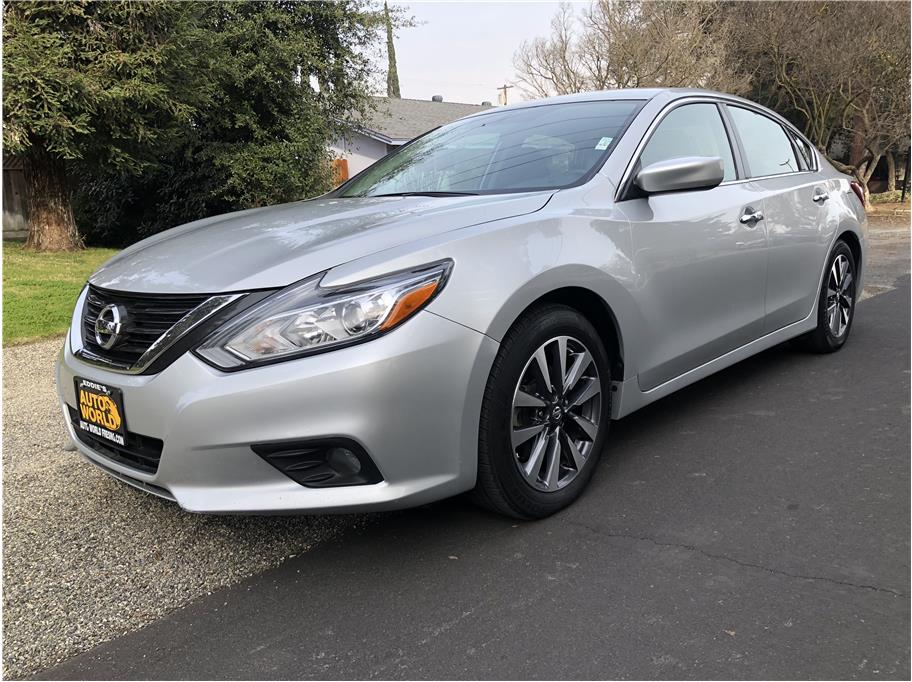2017 Nissan Altima from Eddies Auto World