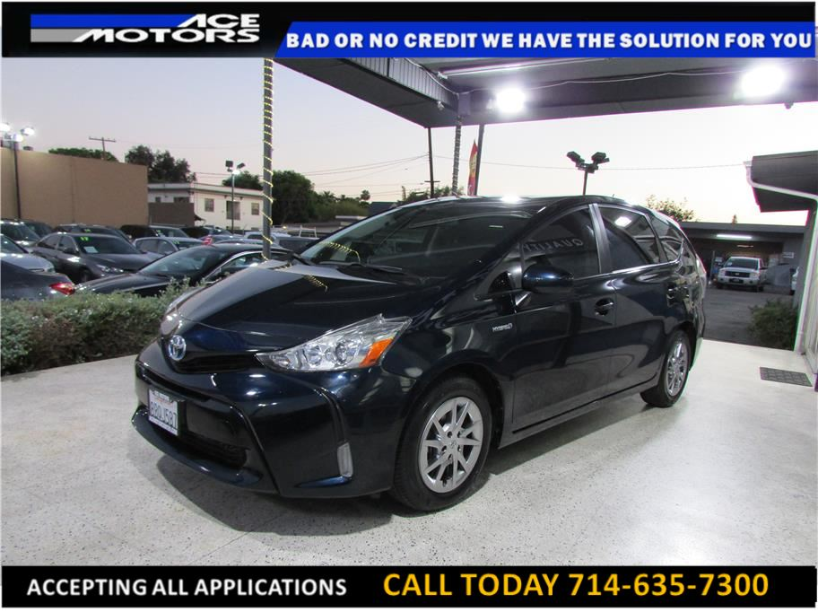 2017 Toyota Prius v from ACE Motors