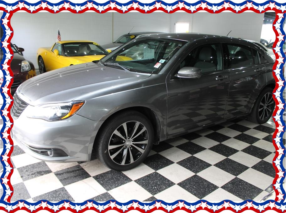 2013 Chrysler 200 from American Auto Depot