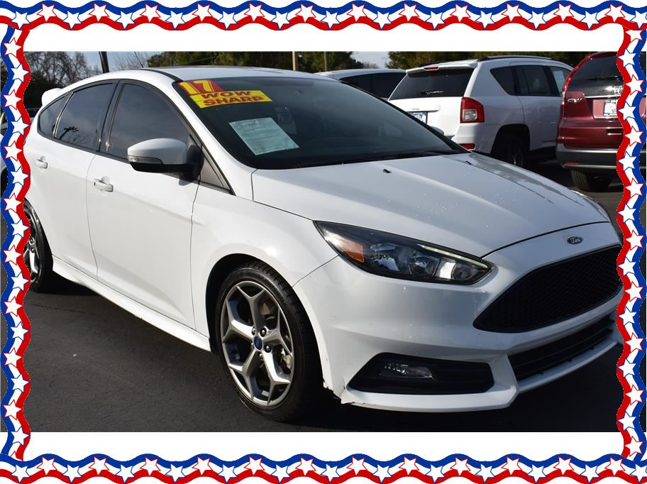 2017 Ford Focus from American Auto Depot