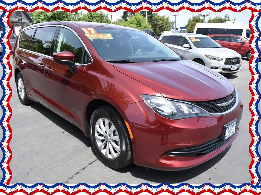 2017 Chrysler Pacifica from American Auto Depot