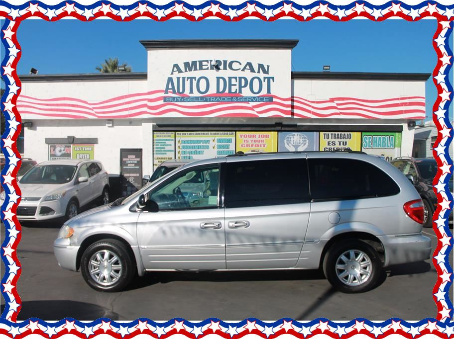 2007 Chrysler Town & Country from American Auto Depot