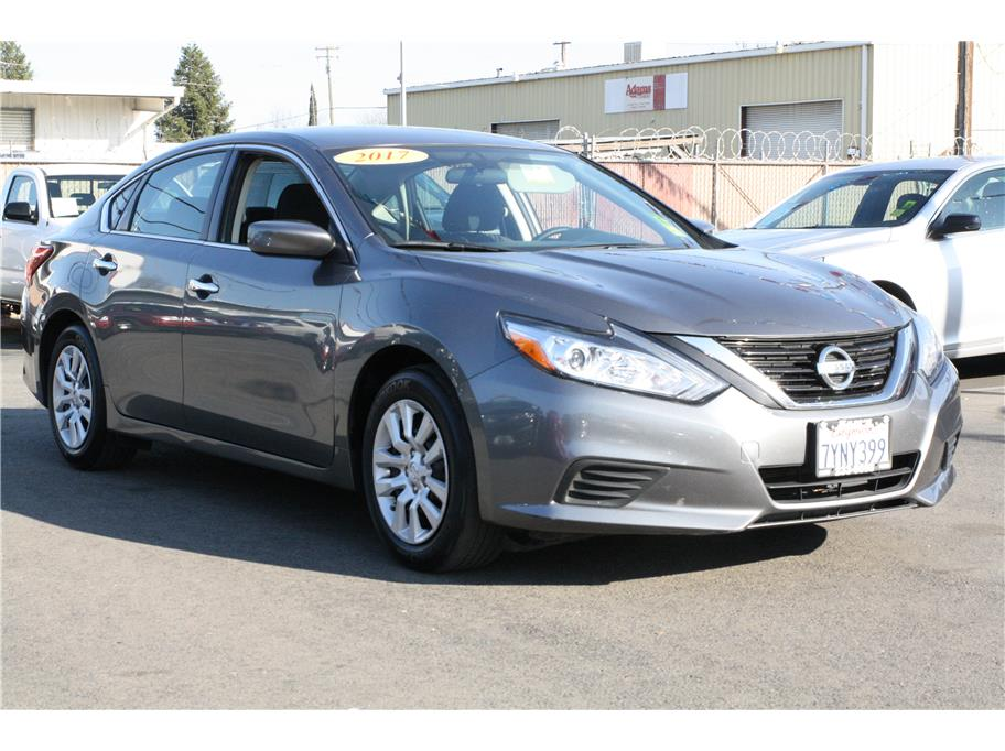 2017 Nissan Altima from Sams Auto Sales