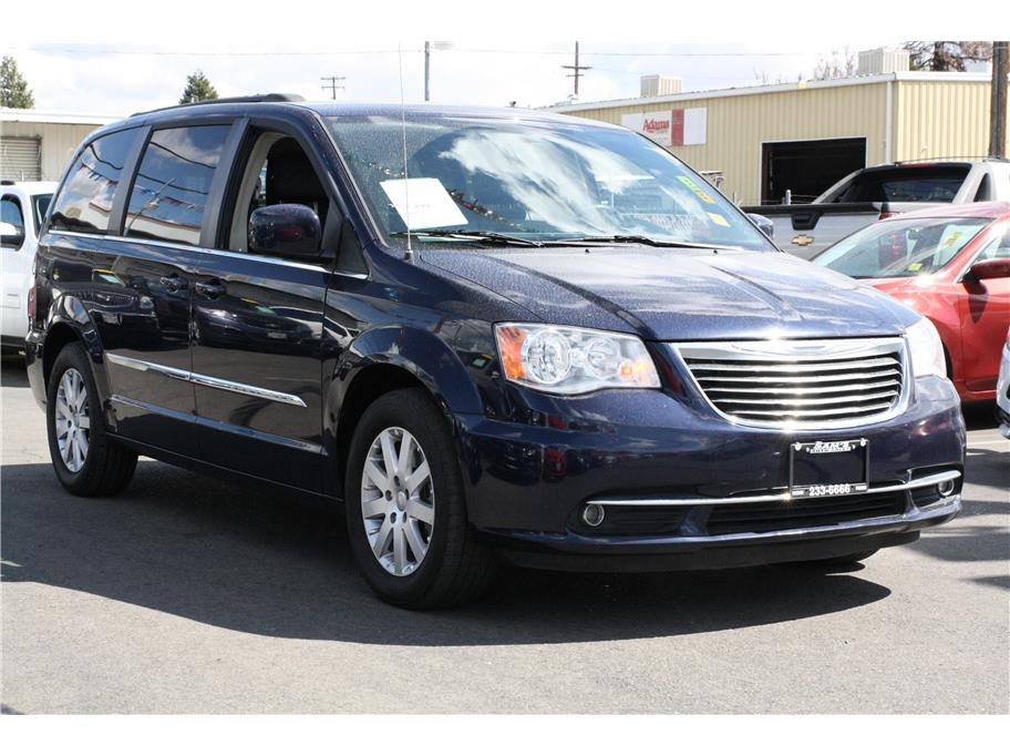 2015 Chrysler Town & Country from Sams Auto Sales II