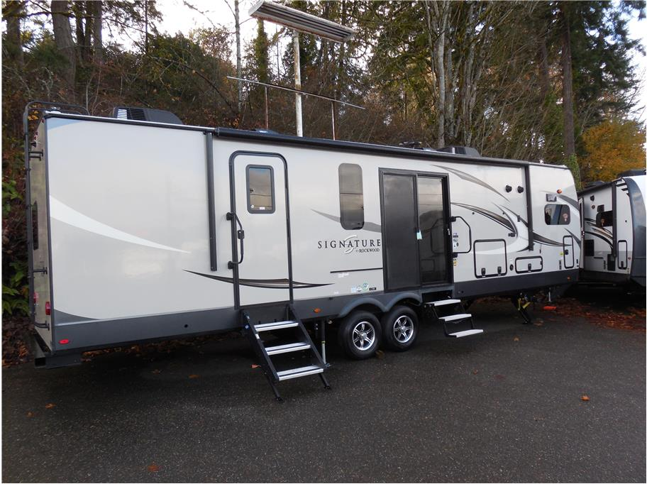 2020 Forest River Rockwood Signature 8335 SB