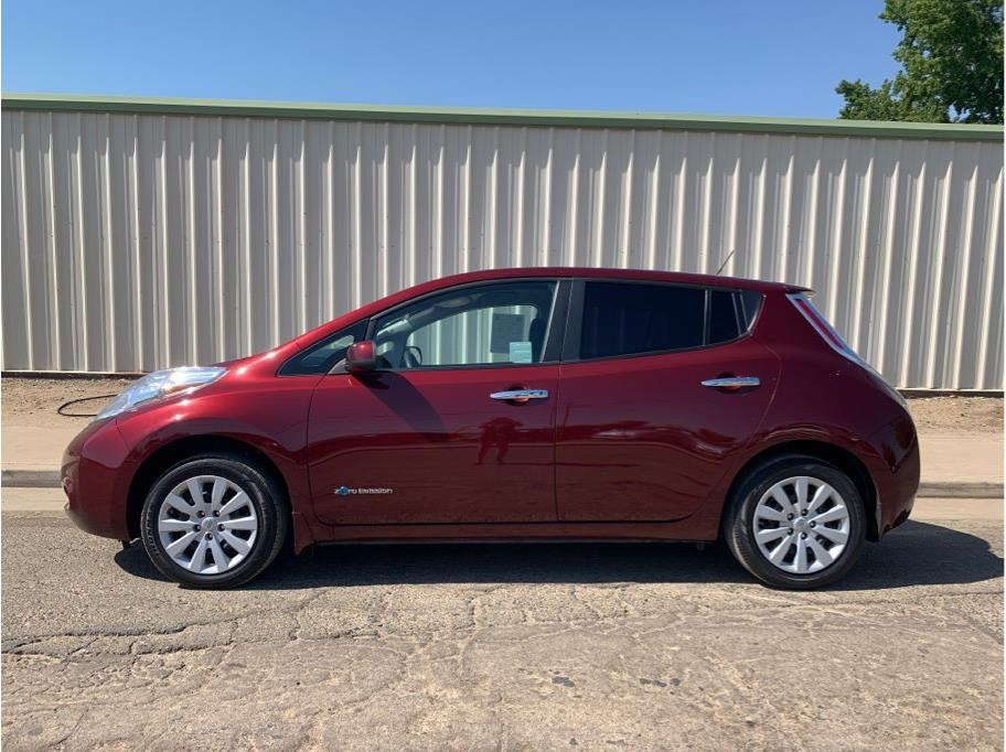 2017 Nissan LEAF from Dealers Choice