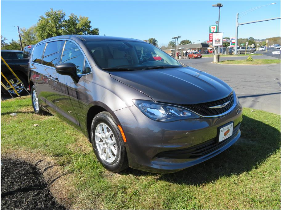2017 Chrysler Pacifica from Keith's Auto Sales