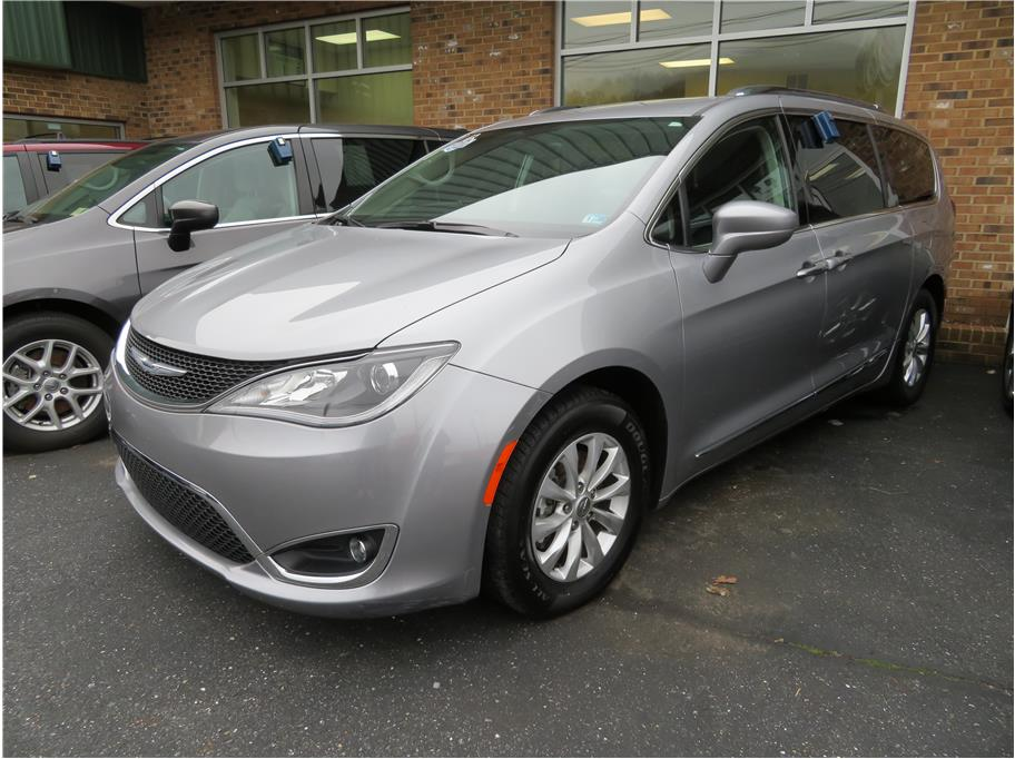 2018 Chrysler Pacifica from Keith's Auto Sales