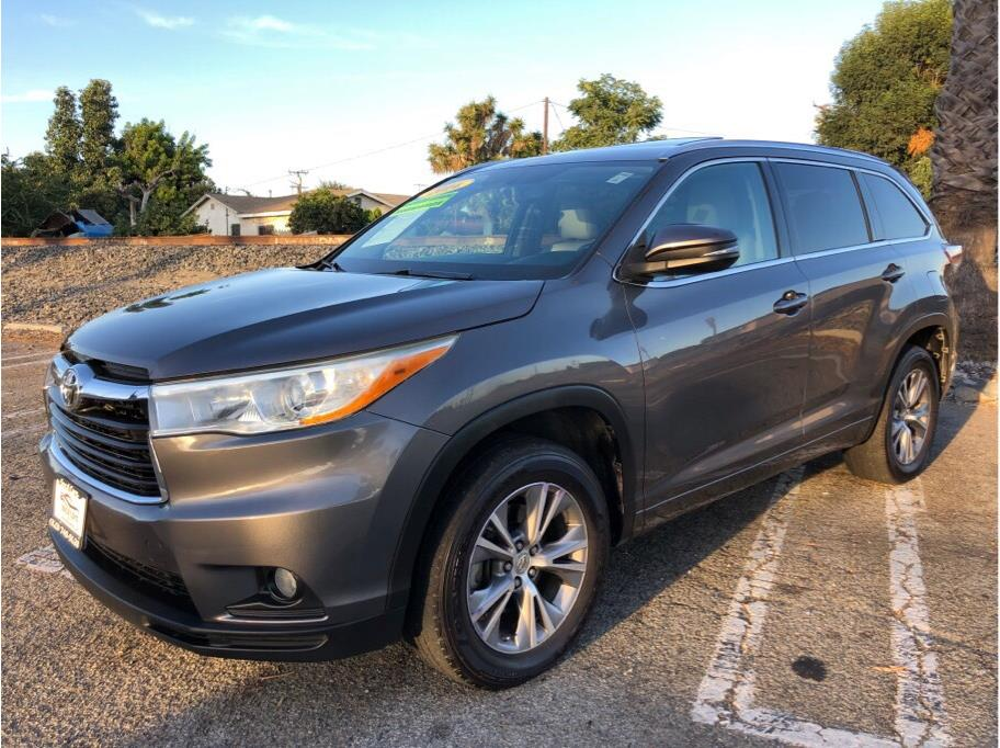 2014 Toyota Highlander from SoCalCars Inc