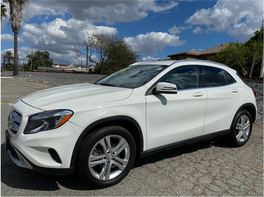 2015 Mercedes-Benz GLA-Class from SoCalCars Inc