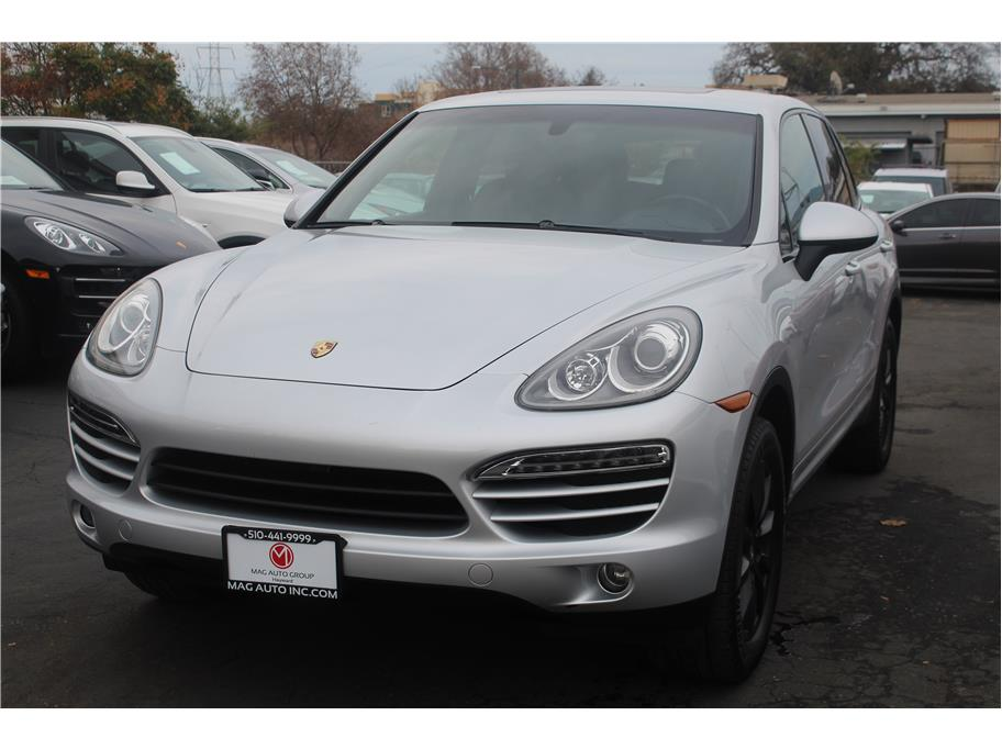 2012 Porsche Cayenne from MAG Auto Group Inc.