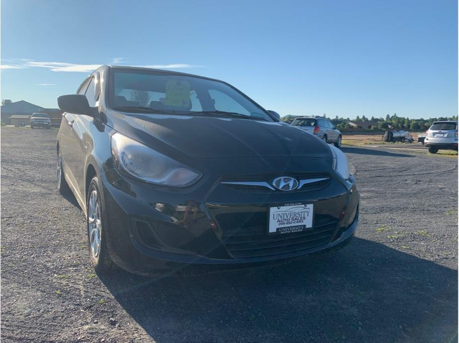 2013 Hyundai Accent from University Auto Sales of Moscow